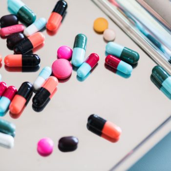 addiction-antibiotic-aspirin-860378