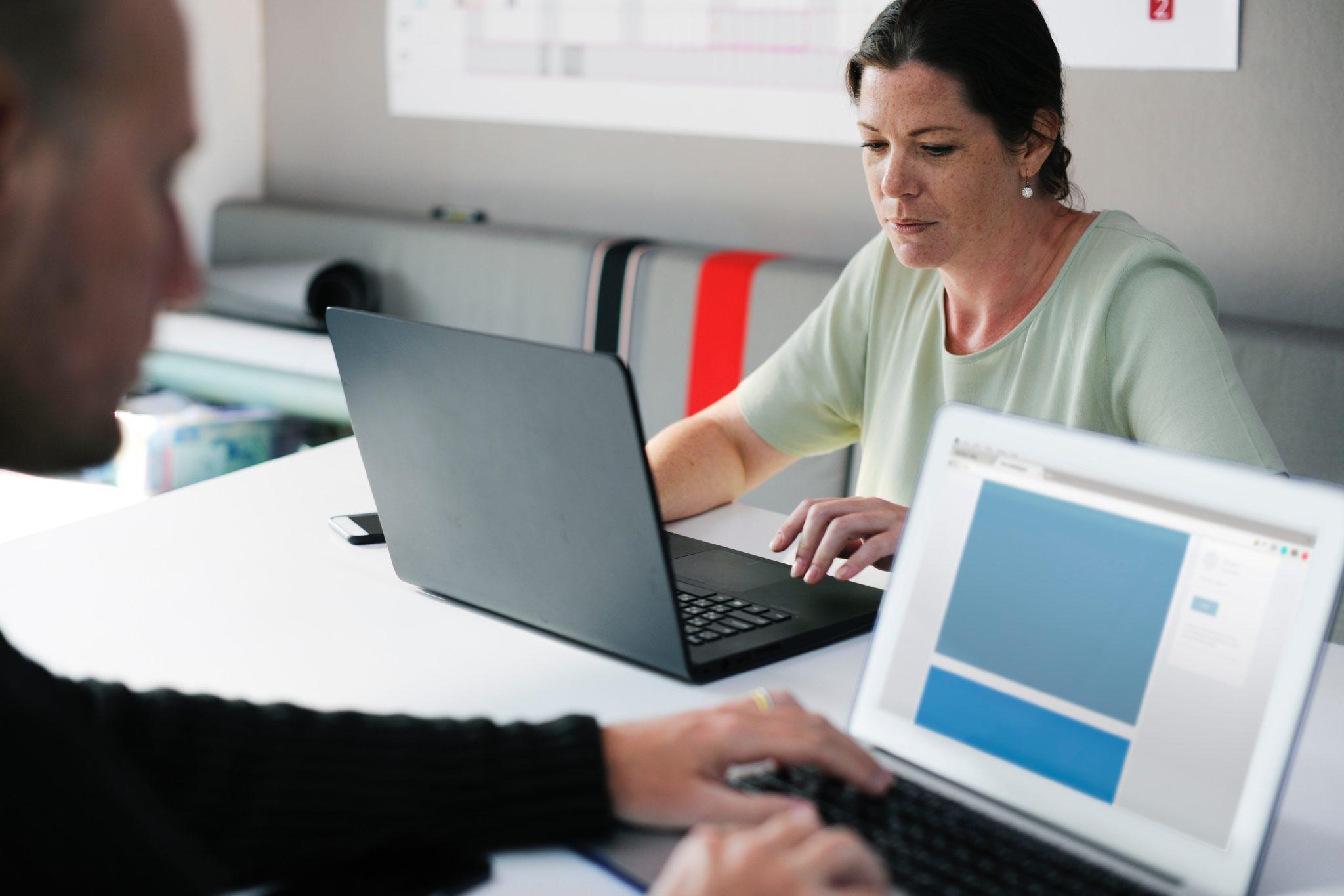 adult-brainstorming-businesswoman-440588