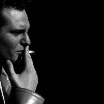 smoking-1439550-1598×1002 (1)