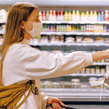 woman-wearing-mask-in-supermarket-3962289